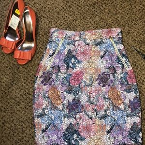 HyM pencil floral skirt